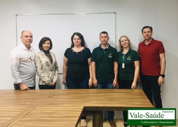 Visita do Vale-Saúde Empresarial na Pluma Agroavicola - unidade de Dois Vizinhos-PR
